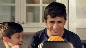 EGGO Homestyle Waffles TV Spot, 'Todo listo para un lanzamiento muy delicioso' [Spanish] - Thumbnail 5