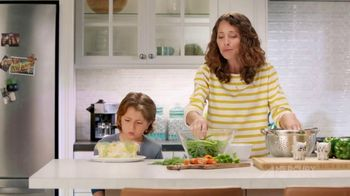 Mercury Insurance TV Spot, 'Dinner' - Thumbnail 5