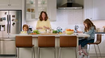 Mercury Insurance TV Spot, 'Dinner' - Thumbnail 6
