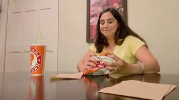 Popeyes Chicken Sandwich TV Spot, 'El sándwich ha regresado' [Spanish] - Thumbnail 8