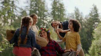 Frito Lay Variety Packs TV Spot, 'Mom Fantasies: Family Camp Out' - Thumbnail 5
