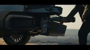GMC Ring in the New Year TV Spot, 'Anthem' [T2] - Thumbnail 4