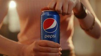 Pepsi TV Spot, 'Lavandería' canción de Daddy Yankee [Spanish] - Thumbnail 1