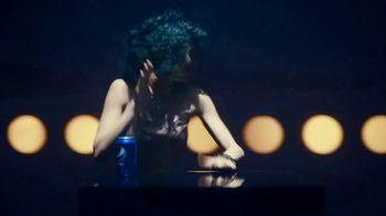 Pepsi TV Spot, 'Lavandería' canción de Daddy Yankee [Spanish] - Thumbnail 5