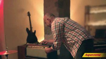 Aspercreme TV Spot, 'Love Hurts' Song by Nazareth - Thumbnail 6