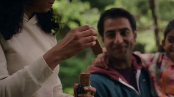 Nature Valley Crunchy Granola Bars TV Spot, 'Keeps You Out There' Song by Dalton Day - Thumbnail 3