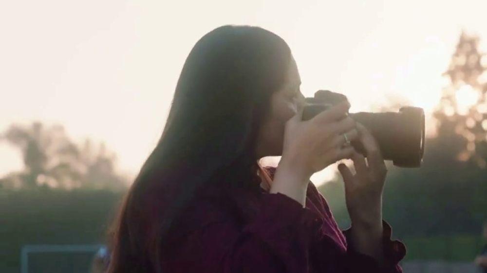 LinkedIn TV Commercial, 'Inspiring Young Women to Succeed: Naheed Rajwani'