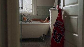 American Express Jersey Assurance TV Spot, 'NBA: Trade Up' Song by Merle Haggard - Thumbnail 1