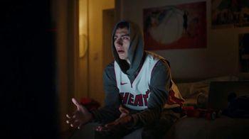American Express Jersey Assurance TV Spot, 'NBA: Trade Up' Song by Merle Haggard - Thumbnail 3