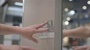 Lowe's Bath Savings Event TV Spot, 'Remodeling Team: Gift Card' - Thumbnail 6
