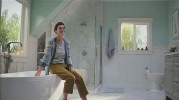 Lowe's Bath Savings Event TV Spot, 'Remodeling Team: Gift Card' - Thumbnail 9
