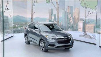 Honda HR-V TV Spot, 'City Living & Outdoor Adventure' [T2] - Thumbnail 7