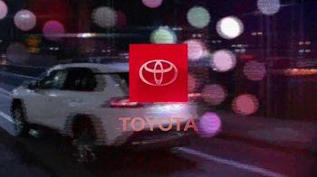 Toyota RAV4 TV Spot, 'Dear Road Rivals: RAV4 and Apple CarPlay' [T1] - Thumbnail 10