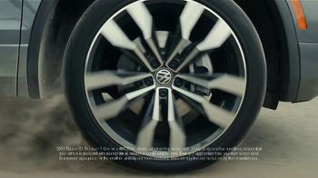 2019 Volkswagen Atlas TV Spot, 'Road Conditions' [T2] - Thumbnail 1