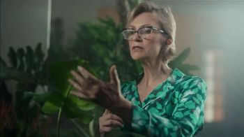 NFL TV Spot, 'Get Ready to Celebrate: The Hopkins Shuffle' Featuring DeAndre Hopkins, Jane Lynch - Thumbnail 4
