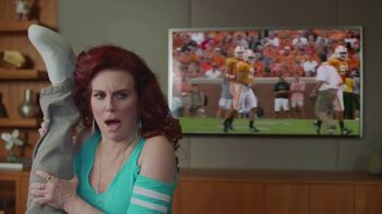 Sling TV Spot, 'Stretch: Roku Express' Featuring Nick Offerman, Megan Mullally - Thumbnail 6