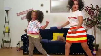 Pine-Sol TV Spot, 'Cleaning Dance Challenge: Tianne and Heaven'