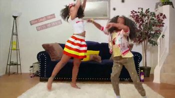 Pine-Sol TV Spot, 'Cleaning Dance Challenge: Tianne and Heaven' - Thumbnail 3