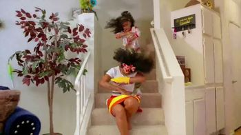 Pine-Sol TV Spot, 'Cleaning Dance Challenge: Tianne and Heaven' - Thumbnail 6