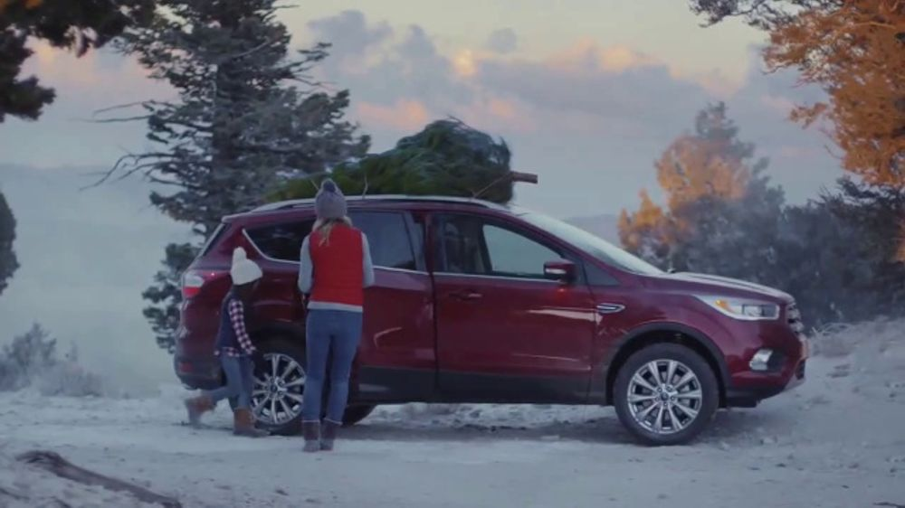 Ford Escape Christmas Tree Commercial 2020 Youtube Ford Built for the Holidays Sales Event TV Commercial, 'Setting an