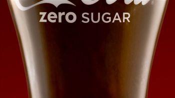 Coca-Cola TV Spot, 'Eggnogg Schmeggnog' - Thumbnail 5