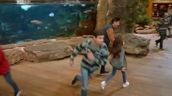 Bass Pro Shops 5 Day Sale TV Spot, 'Shirts, Boots and Jackets' - Thumbnail 4
