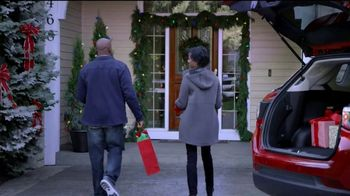 The Kroger Company TV Spot, '2018 Holidays: Fueling Your Sleigh for Less' - Thumbnail 9