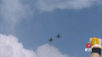 USAA TV Spot, 'Salute to Service Moment: The Roar of a Military Flyover' - Thumbnail 4
