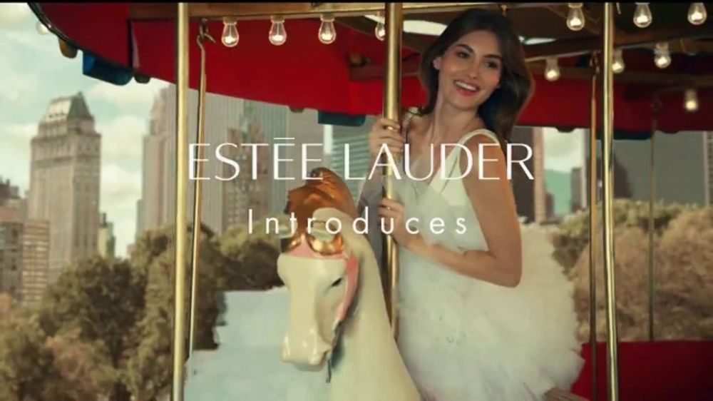 Estee Lauder Beautiful Belle TV Commercial, 'Holidays: Free Gift Wrapping' Featuring Grace Elizabeth