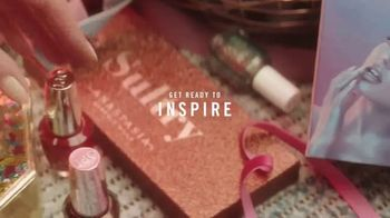 Ulta TV Spot, '2018 Holidays: Surprise and Inspire' - Thumbnail 4