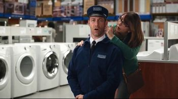 Maytag TV Spot, 'Eye Candy: Washers' Featuring Colin Ferguson - Thumbnail 3
