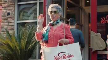 Red Robin To-Go  TV Spot, 'Get Your Burger On' - Thumbnail 6