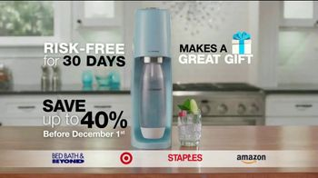 SodaStream TV Spot, 'How to Save the Planet With a Few Pfff and a Psss' - Thumbnail 10