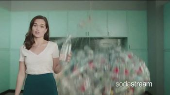 SodaStream TV Spot, 'How to Save the Planet With a Few Pfff and a Psss' - Thumbnail 4