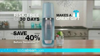 SodaStream TV Spot, 'How to Save the Planet With a Few Pfff and a Psss' - Thumbnail 9