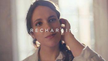 Glade TV Spot, 'Recharging' - Thumbnail 7