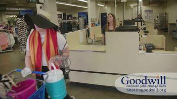 Seattle Goodwill TV Spot, 'Summer Clothes' - Thumbnail 10