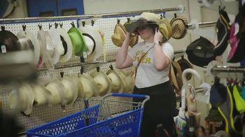 Seattle Goodwill TV Spot, 'Summer Clothes' - Thumbnail 4