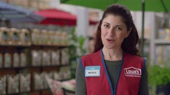 Lowe's TV Spot, 'Backyard Party: Sta-Green Garden Soil' - Thumbnail 7