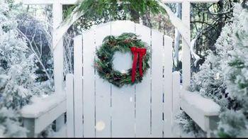 Hallmark Keepsake Ornaments TV Spot, 'Hallmark Channel: Santa's Magic Train Ornament' - Thumbnail 2