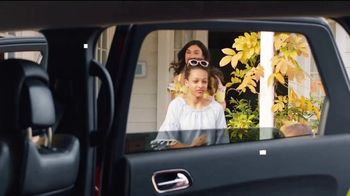 JCPenney Venta Sorpresa TV Spot, 'Bailar' canción de Redbone [Spanish] - Thumbnail 2