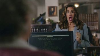Capital One Venture TV Spot, 'Library' Featuring Jennifer Garner - Thumbnail 6