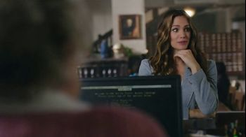 Capital One Venture TV Spot, 'Library' Featuring Jennifer Garner - Thumbnail 9