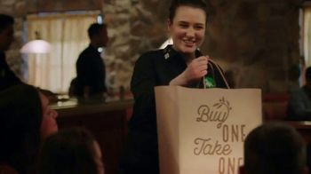 Olive Garden Buy One Take One TV Spot, 'Favorites: Shrimp Scampi' - Thumbnail 8