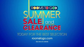 Rooms to Go Summer Sale and Clearance TV Spot, 'Once a Season' - Thumbnail 10