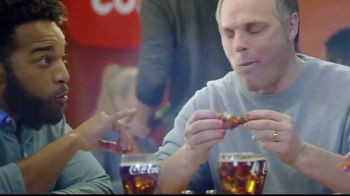 Golden Corral Wing Fest TV Spot, 'All You Can Eat' - Thumbnail 4