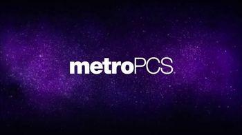 MetroPCS TV Spot, 'Share the Things You Love: Free Phones' - Thumbnail 1