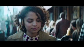 Huntington National Bank TV Spot, 'Looking Out for Each Other'