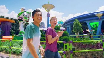 Disney Parks & Resorts TV Spot, 'Disney Channel: Toy Story Land: Huge Fan' - Thumbnail 9