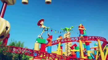 Disney Parks & Resorts TV Spot, 'Disney Channel: Toy Story Land: Huge Fan' - Thumbnail 4
